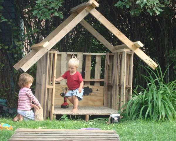Diy Pallet Playhouse Plans