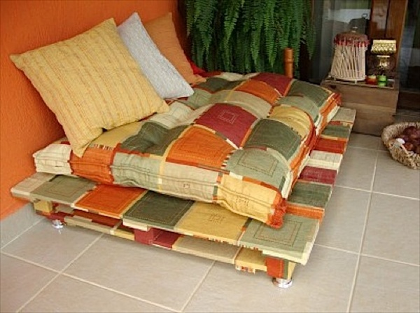 Diy how to make pallet sofa or couch wooden pallet for Make a pallet sofa