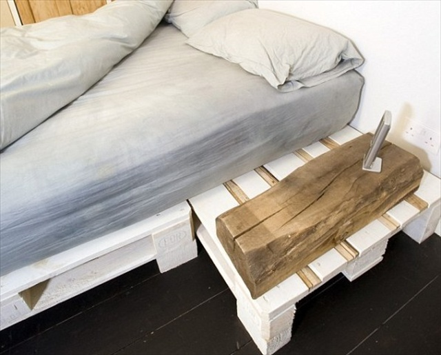 wooden pallet bed diy