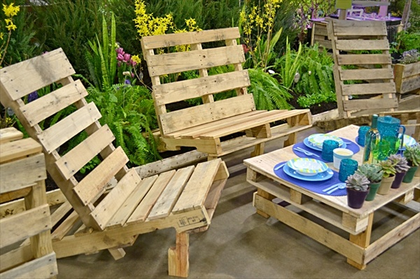 Pallet picnic and dining tables.