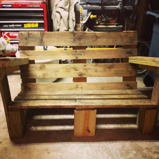 Pallet Chair: 21 Ideas For Awesome Pallet Chair
