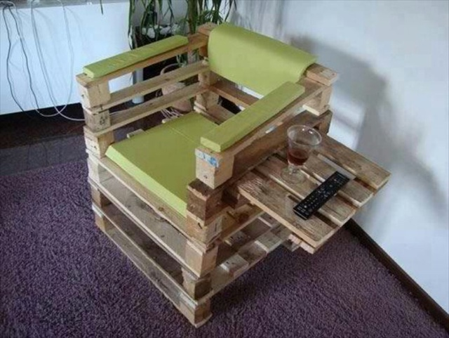 21 Ideas for Awesome Pallet Chair Wooden Pallet Furniture : pallet chair 7 from woodenpalletfurniture.com size 640 x 481 jpeg 110kB
