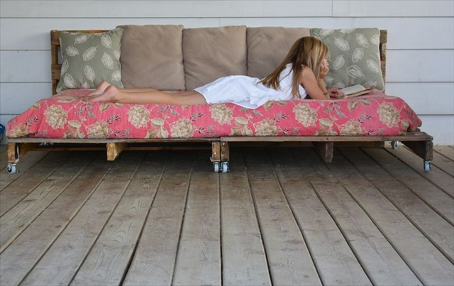 how to make a pallet daybed from old pallets wooden