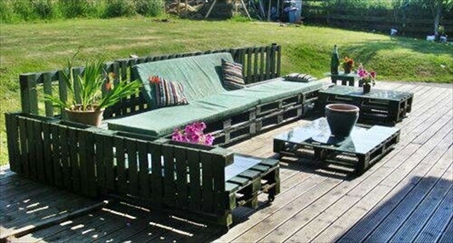 Wood Pallet Outdoor Furniture | Modern World Decorating Ideas
