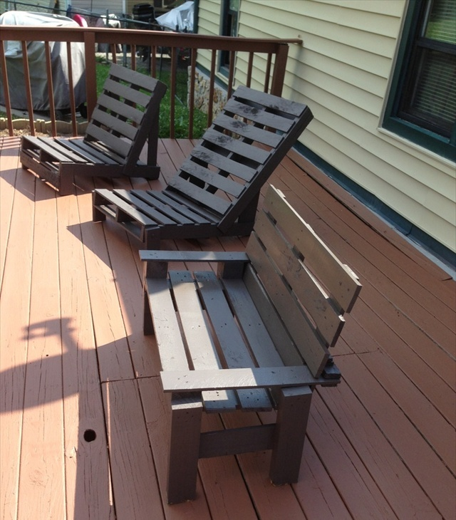 pallet deck furniture