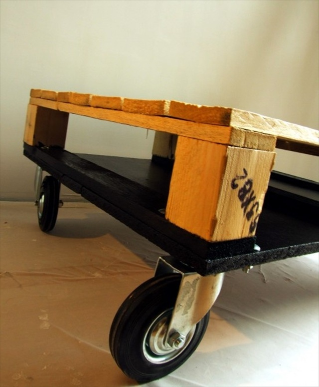 DIY Pallet Ottoman: An Affordable & Multipurpose Solution ...