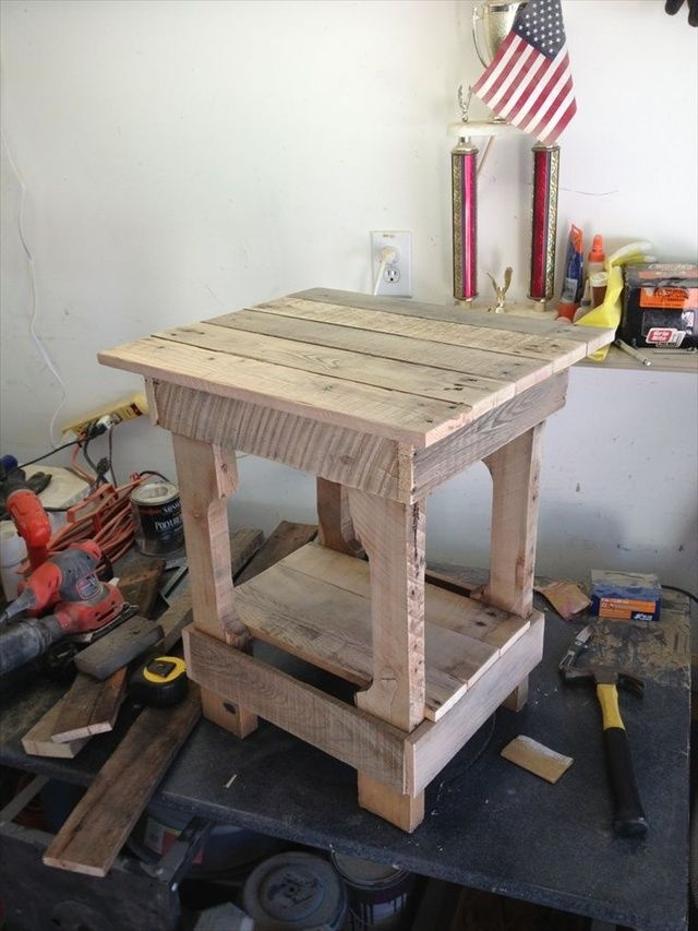 pallet stool, pallet end table
