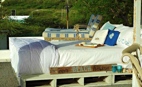 pallet wood bed idea