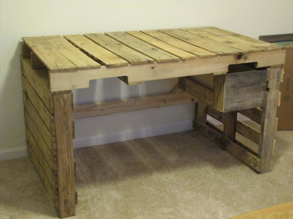 ... pallet painted side table diy pallet tv stand coffee table side table
