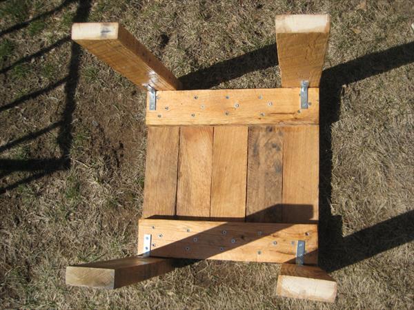 handmade pallet mini table