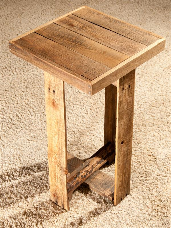 Diy pallet end table or side wooden furniture