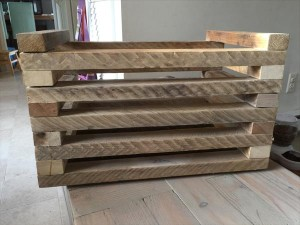 recycled pallet grid box