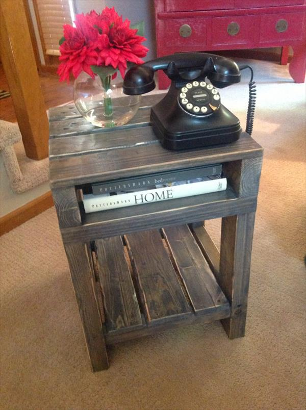 Diy pallet end table side table wooden pallet furniture for Pallet end table