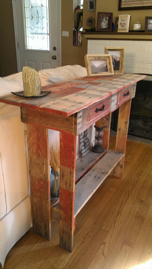Merveilleux Upcycled Pallet Couch Back Table