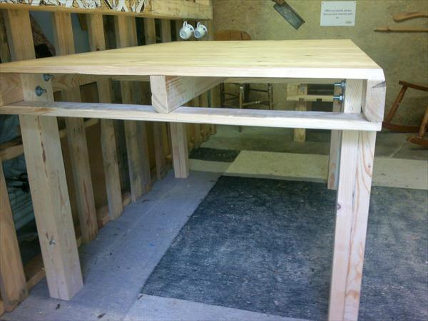 Wood pallet kitchen table dining table wooden pallet for How to make a pallet kitchen table