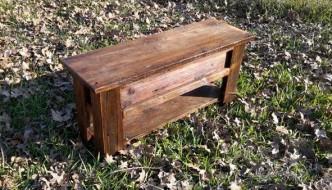 vintage inspired pallet mudroom bench