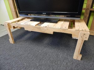 reclaimed pallet coffee table and TV stand