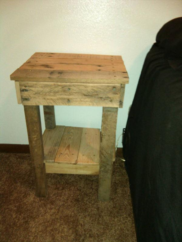 Reclaimed Pallet Nightstand - Sofa Table | Wooden Pallet Furniture