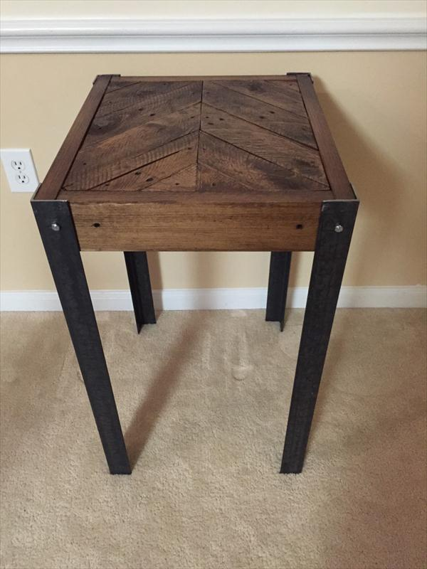 Beau Upcycled Pallet End Table With Metal Legs