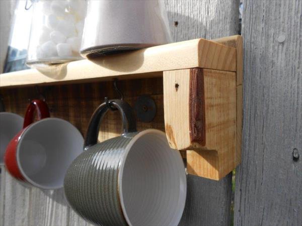 wooden pallet mug holder