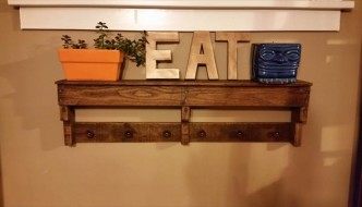 upcycled pallet shelf and coat rack