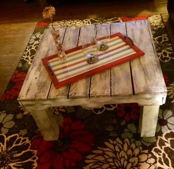 Rustic Wood Pallet Coffee Table: Rustic Pallet Distressed Coffee Table