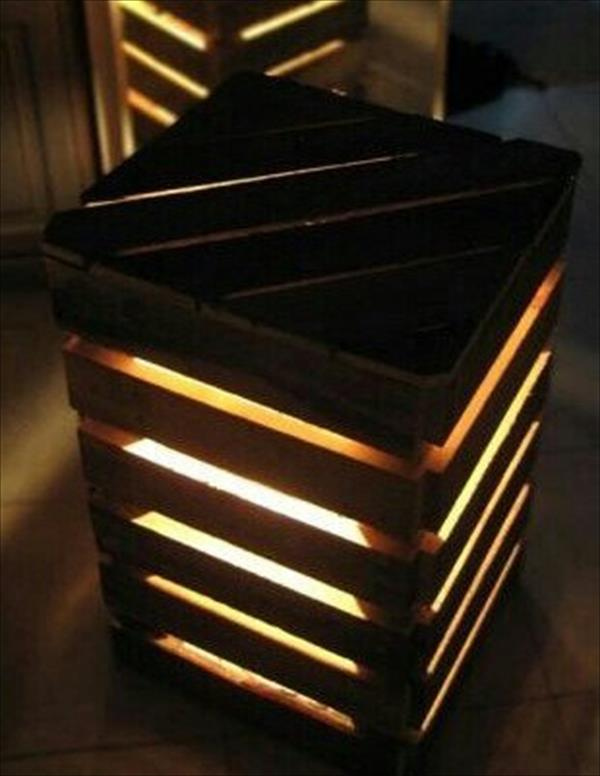 Diy recycled pallet lighted end table wooden pallet for Pallet end table
