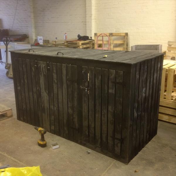 upcycled pallet storage bin