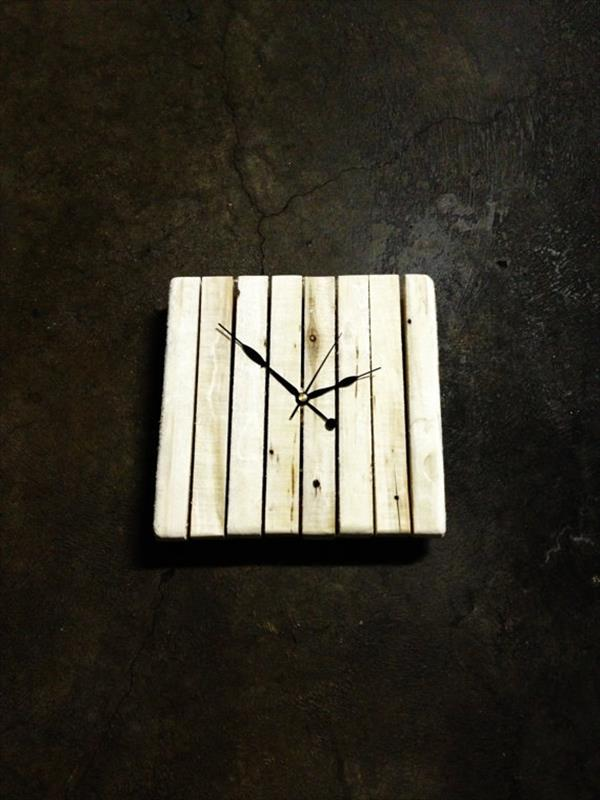 repurposed pallet wall clock