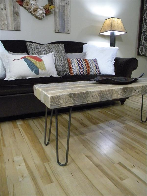 rustic yet modern pallet coffee table