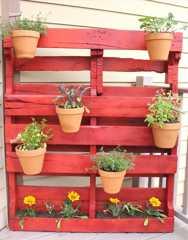 Vertical Pallet Pots Garden