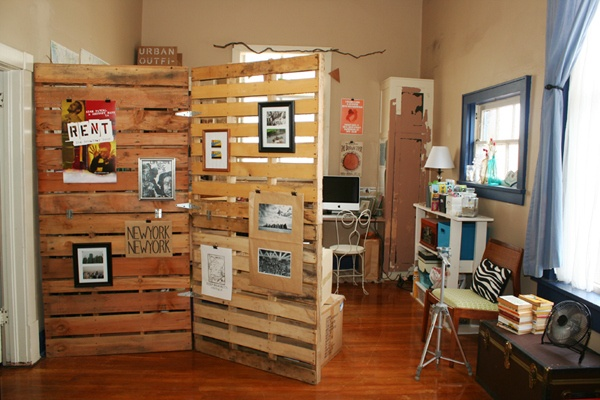 How to Make Pallet Room Divider