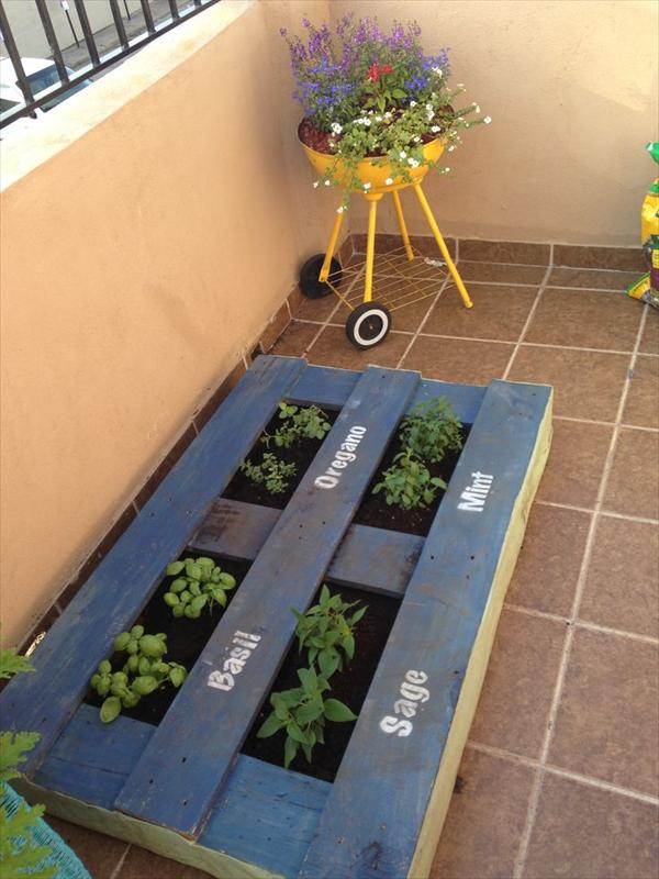upcycled pallet garden