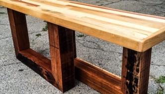 DIY Chic Pallet Entryway Bench with Beefy Legs
