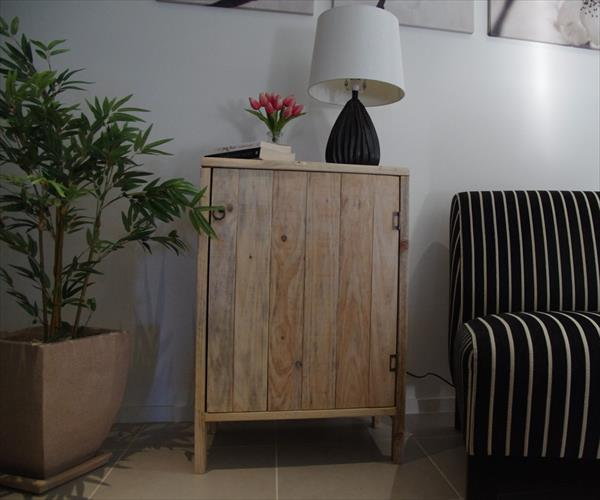 recycled pallet living room cabinet