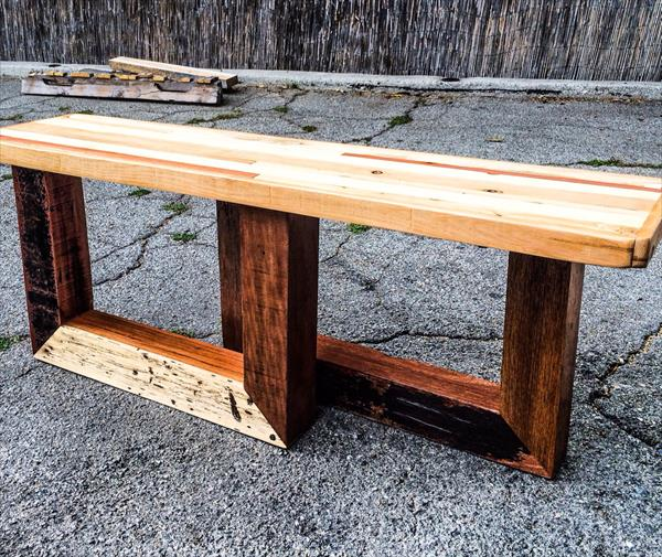 reccycled pallet entry bench