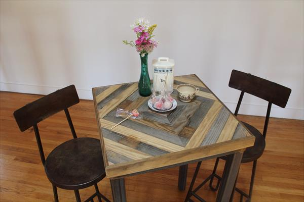 recycled pallet kitchen end table