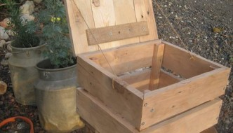 DIY Rustic Pallet Box with Lid