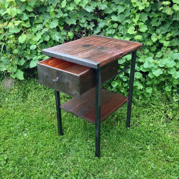 recycled pallet side table and nightstand