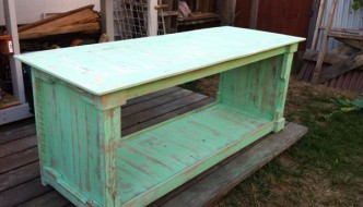 DIY Pallet Distressed Pallet Coffee Table