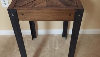 DIY Pallet Chevron End Table with Metal Legs