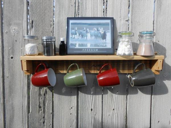 recycled pallet wood mug holder