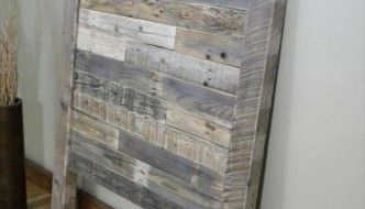 DIY Distressed Pallet Twin Headboard